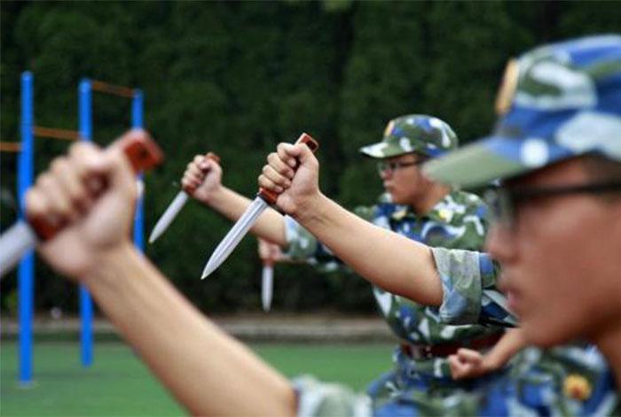 营地点评网-北京西点军事特训之领袖演讲8天7晚军事营-(22)